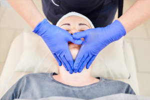 Do Massage Therapists Need To Wear Gloves or Not?